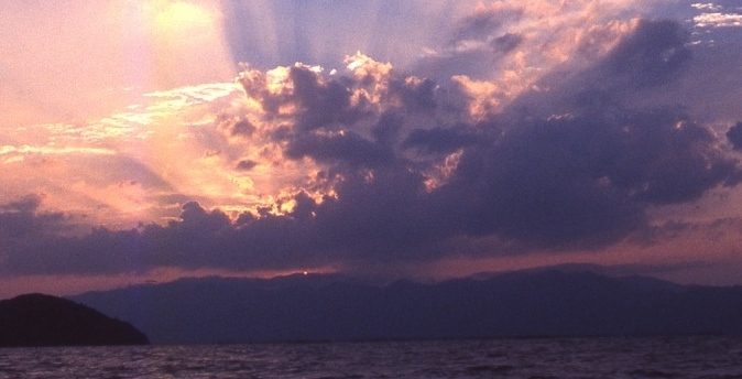 琵琶湖的照片